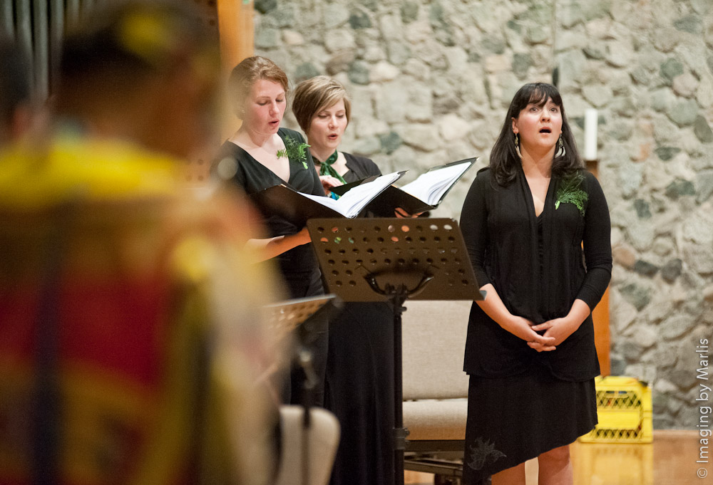Vancouver Peace Choir with Randy Wood honour songs concert May 25, 2013